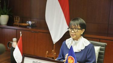 Menlu Retno Marsudi dalam press briefing bersama awak media pada Kamis, (10/9/2020).
