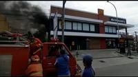AC Korslet Restoran Mcdonald's di Gorontalo Terbakar (Arfandi Ibrahim/Liputan6.com)