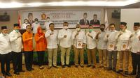 Edhy Prabowo Serahkan B1-KWK kepada sejumlah bakal calon kepala daerah di Sulsel (Istimewa)