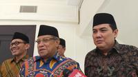 Ketua Umum Pengurus Besar Nahdlatul Ulama (PBNU) Said Aqil Siradj (tengah) di Kantor Wapres. (Merdeka.com/ Intan Umbari)
