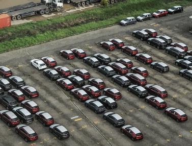 FOTO: Diskon Pajak Mobil Baru Diperpanjang hingga Agustus 2021