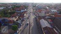 Jalanan tampak ramai lancar dari arah Pekalongan ke Brebes Exit di kawasan Simpang Maya, Tegal, Jawa Tengah, Minggu (10/7). Usai diberlakukan Contra flow, arus kendaraan dari Simpang Maya ke Brebes Exit dan Pantura lancar. (Liputan6.com/Herman Zakharia)