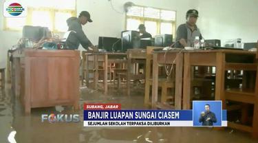 Banjir masih merendam sejumlah titik di Subang dan Bandung, Jawa Barat. Akibatnya aktivitas warga lumpuh dan sekolah-sekolah diliburkan.