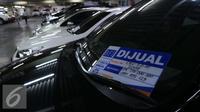 Penurunan penjualan mobil bekas diakui oleh pedagang karena banyaknya mobil baru dengan harga jual yang murah dan diskon besar, Jakarta, Kamis (6/10). (Liputan6.com/Angga Yuniar)