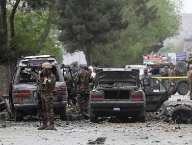 Bom Bunuh Diri Serang Konvoi NATO di Afghanistan-AP Photo-20170503