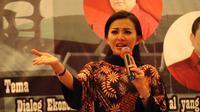 Calon Gubernur Kalimantan Barat Karolin Margret Natasa saat menjadi pembicara di sebuah seminar. (Istimewa)