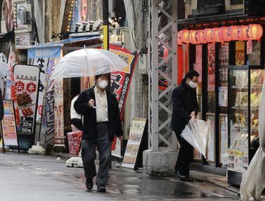Aktivitas Warga Tokyo di Tengah Perpanjangan Status Darurat COVID-19