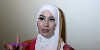 Hijab gaya apa yang akan dipakai Zaskia Adya Mecca di hari lebaran nanti?