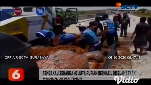 Sebuah mobil pikap bermuatan tembakau senilai Rp 45 juta terbakar di ruas tol jalur B Surabaya-Madiun, KM 603, di wilayah Desa Sawahan, Kecamatan Sawahan, Kabupaten Madiun.