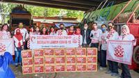 Relawan Solmet membagikan paket sembako di sejumlah titik wilayah Jakarta Pusat. (Istimewa)