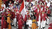 Kontingen Indonesia saat pembukaan Asian Para Games di SUGBK, Jakarta, Sabtu (06/10/2018). Pembukaan dimeriahkan para penyandang disabilitas. (Bola.com/M Iqbal Ichsan)