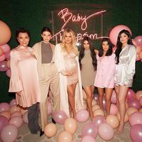 Khloe Kardashian akhirnya mengadakan baby shower. Tentu saja hal ini adalah salah satu pesta besar-besaran keluarga Kardashian-Jenner. (instagram/khloekardashian)