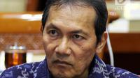 Saut Situmorang mengikuti Rapat Dengar Pendapat (RDP) dengan Komisi III DPR, Jakarta, Selasa (28/1). RDP membahas berbagai agenda dan isu-isu penting salah satunya supervisi KPK dan penyelesaian kasus-kasus yang di tangani KPK. (Liputan6.com/Johan Tallo)