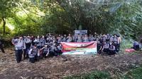 Rombongan pendaki gunung tertinggi di Sulut ini, terdiri dari beberapa Pejabat Utama Polda Sulut dan Polres Minahasa Utara, para Polwan, Tim Kesehatan dan Humas.