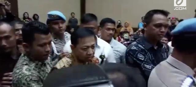 Setya Novanto dijatuhi vonis penjara belasan tahun, denda, hingga pencabutan hak politik oleh Majelis Hakim Pengadilan Tipikor.