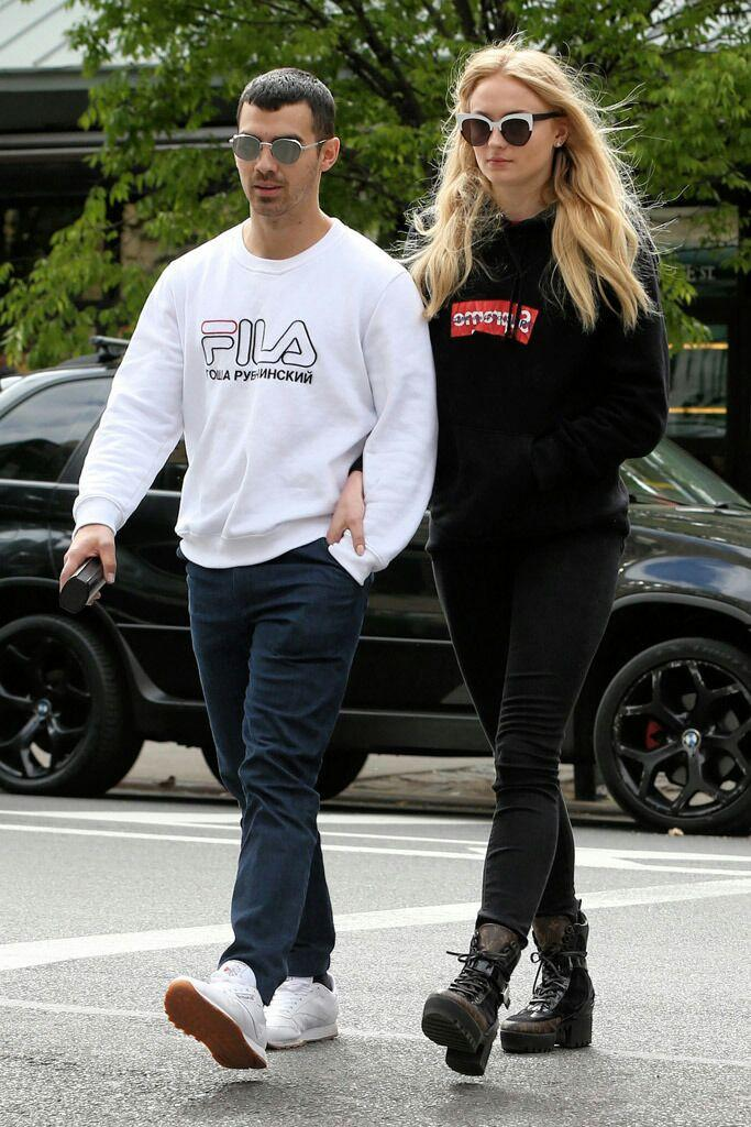 Joe Jonas dan Sophie Turner.