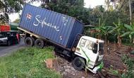 Rem truk tronton tersebut blong saat berada di tanjakan (Fauzan)