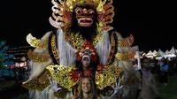Rata-rata 5.000 turis asing eksodus ke luar Bali menuju Banyuwangi atau Lombok setelah status awas Gunung Agung. (Liputan6.com/Dinny Mutiah)