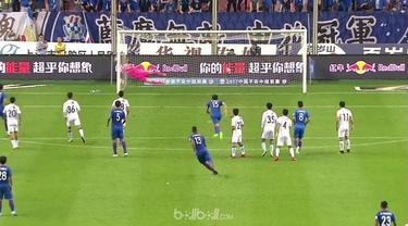 Berita video free kick sensasional eks pemain Inter Milan, Fredy Guarin, dalam laga Shanghai Shenhua vs Guangzhou R&F. This video presented by BallBall.