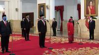 Presiden Jokowi melantik  6 Menteri baru dan 5 wakil menteri di Istana Kepresidenan. (YouTube Sekretariat Presiden)