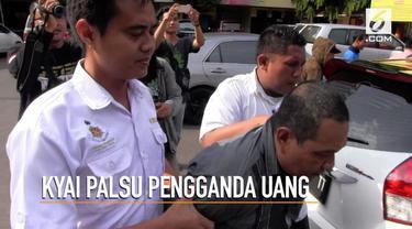 Polres Pelabuhan Tanjung Perak Surabaya menangkap seorang Kyai Gadungan yang mengaku mampu menggandakan uang. Seorang pengusaha kayu asal banyuwangi diperdaya hingga kehilangan uang sebanyak Rp 850 juta