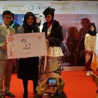 Siswi SMK NU Banat Dania Pulungan yang menjadi juara 2 Grand Prix Sakura Collection Singapura
