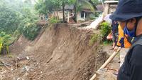 Pada konteks bencana geohidrometeorologi, khususnya tanah longsor, peningkatan ancaman terjadi salah satunya sebagai efek dari perubahan iklim, tetapi terdapat peningkatan yang dipengaruhi kerentanan masyarakat. (Liputan6.com/LIPI)