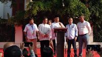 Juru Bicara Badan Pemenangan Nasional (BPN) Prabowo-Sandiaga, Dahnil Simanjuntak di rumah pemenangan Kertanegara. (Liputan6.com/Muhammad Radityo Priyasmoro)