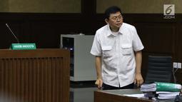 Terdakwa dugaan menghalangi proses penyidikan KPK terhadap Eddy Sindoro, Lucas saat mengikuti sidang lanjutan di Pengadilan Tipikor Jakarta, Kamis (24/1). Sidang mendengar keterangan dua orang saksi dari JPU KPK. (Liputan6.com/Helmi Fithriansyah)