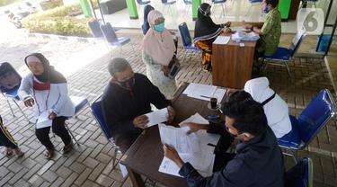 Warga Curug Terima Bantuan Langsung Tunai Dana Desa