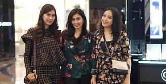 Nagita Slavina, sejak menikah dengan Raffi Ahmad juga memiliki hubungan yang baik dengan kedua adik suaminya, Nisya Ahmad dan Syahnaz Sadiqah. Tak sedikit foto-foto ketiganya terlihat bersama. (Instagram/nissyaa)