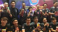 Pop Mie menggandeng 2 tim besar Esports Indonesia, EVOS Esports dan Rex Regum Qeon (RRQ), untuk memajukan Esports di Indonesia. (Bola.com/Benediktus Gerendo Pradigdo)