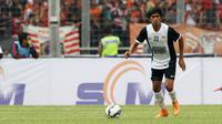 Ardan Aras saat membela PSM Makassar pada Trofeo Persija di Stadion Utama Gelora Bung Karno, Jakarta. (Bola.com/Nicklas Hanoatubun)