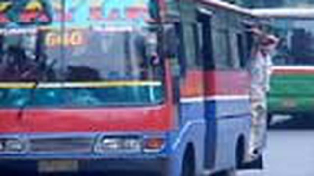 "Rencana pemprov DKI Jakarta untuk ""mendinginkan"" seluruh bus kota dan metromini disambut hangat masyarakat. Sebaliknya. pengusaha angkutan keberatan."