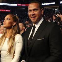 Sejak bercerai dengan Marc Anthony di tahun 2014, nama Jennifer Lopez memang belum terdengar memiliki pasangan hidup lagi. Namun beberapa bulan yang lalu ia sudah memiliki seorang kekasih. (AFP/Christian Petersen)