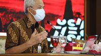 Gubernur Jawa Tengah Ganjar Pranowo usul pada pemerintah pusat agar menyerahkan pertanggungjawaban vaksinasi kepada Gubernur. Sehingga percepatan vaksinasi lebih tepat dan sesuai dengan kebutuhan wilayah.