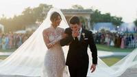 Gaun pengantin Priyanka Chopra dan Nick Jonas (Instagram Priyanka Chopra/People)