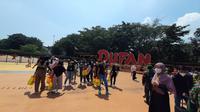 Tenaga kesehatan RSD Covid-19 Wisma Atlet plesiran ke Dufan, Taman Impian Jaya Ancol, Jakarta. (Istimewa)