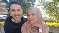 Rika dan Thomas Shears yang sebelumnya tinggal di Bandung kini sudah berada di Melbourne dengan selamat. (Koleksi pribadi)