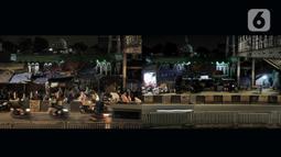 Foto kombo suasana salat Tarawih malam pertama Ramadan tahun lalu dan saat ini di Musala Miftahul Jannah, Pasar Gembrong, Jakarta, Kamis (24/4/2020). Penerapan PSBB untuk memutus rantai penyebaran Covid-19 membuat masjid serta musala di Jakarta meniadakan salat Tarawih. (merdeka.com/Iqbal S Nugroho)