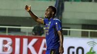 Pemain Persib Bandung, Michael Essien (Liputan6.com/Helmi Fithriansyah)