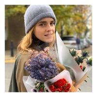 Emma Watson masih bisa bahagia meski tanpa pasangan, bagaimana caranya? (Foto: instagram/emmawatson)