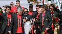 Carlo Ancelotti saat membawa AC Milan juara Liga Champions 2007. (GIUSEPPE CACACE / AFP)