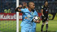 Loris Arnaud bicara soal kans menjadi top scorer Liga 1 2018. (Bola.com/Aditya Wany)