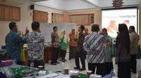 Dosen Fakultas Psikologi UAD Yogyakarta mengadakan pelatihan komunikasi empati bagi guru BK SMP Muhammadiyah se-Bantul. (Liputan6.com/ Siwtzy Sabandar)