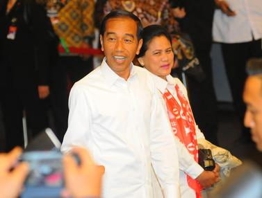 Jokowi Gandeng Iriana Saat Tiba di Lokasi Debat Keempat Pilpres 2019