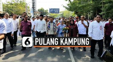Mantan Wakil Presiden RI, Jusuf Kalla, pulang kampung ke Makassar, Sabtu (26/10/2019). Kedatangannya disambut oleh sejumlah tokoh Sulawesi Selatan.