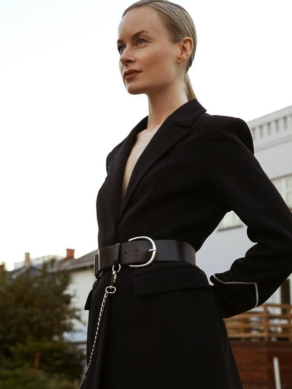 Belted blazer (Foto: whowhatwear)