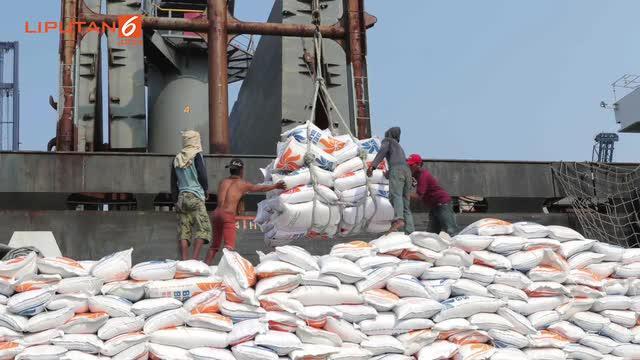 Direktur Pengadaan Perusahaan Umum (Perum) Bulog Wahyu mengungkapkan, kurang mampunya bersaing beras Indonesia dengan negara lain dikarenakan harga beras Indonesia tergolong paling mahal di ASEAN.