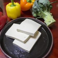 Tahu adalah salah satu makanan kaya protein yang baik untuk tbuh/copyright: needpix/621hjmit